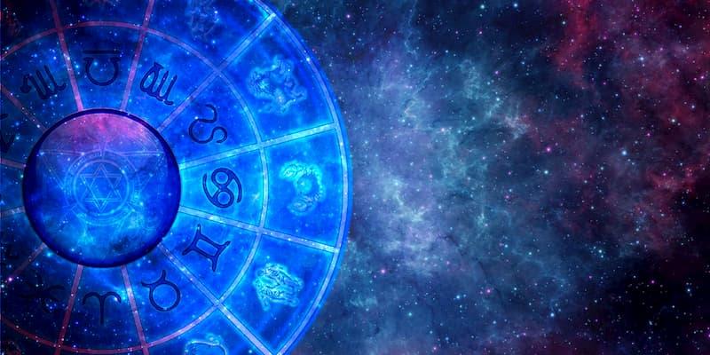la storia dell'astrologia, cartomanzia